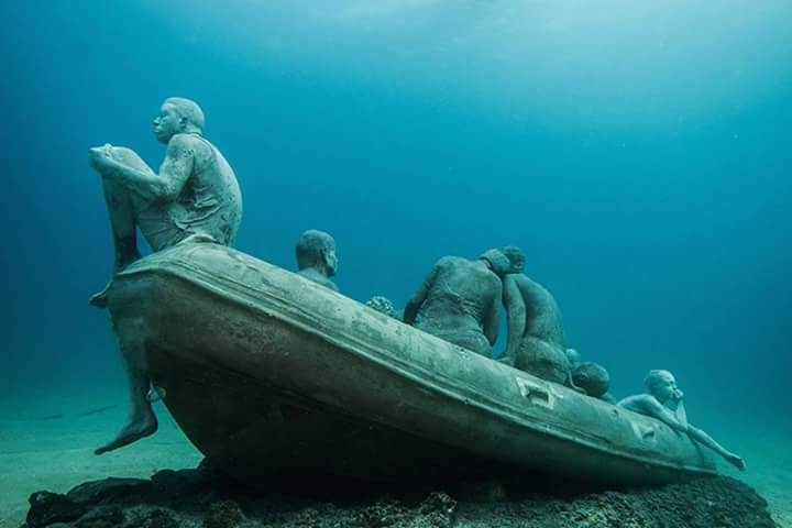 jason-decaires-taylor-sculptures-underwater