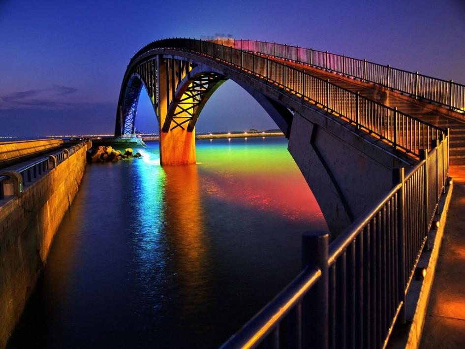 Радужный мост The Xiying в Манонге, Тайвань