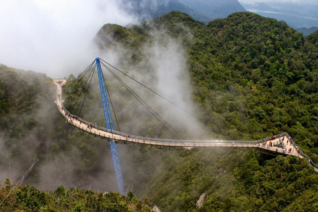 15 удивительных небесных мостов со всего мира, которые следует добавить в свой список