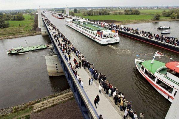 Водный мост в Германии