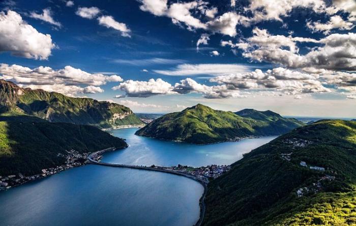Необыкновенной красоты горы и холмы. Швейцария.
