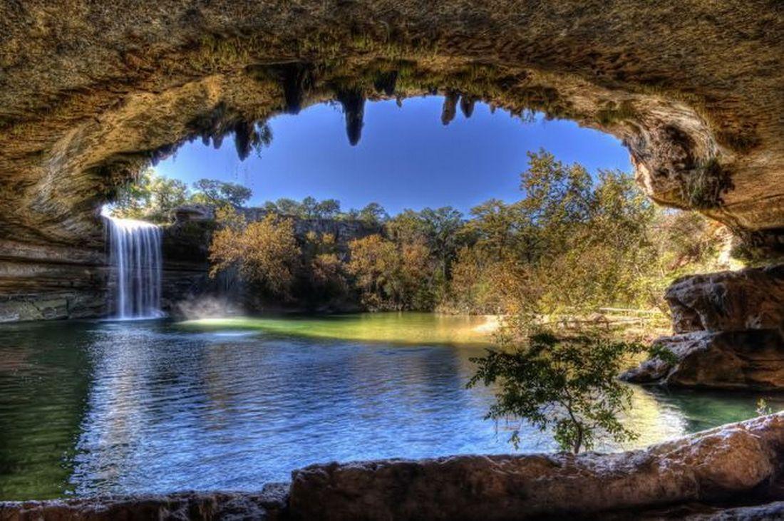 Удивительное наземное и подземное озеро Гамильтон Пул